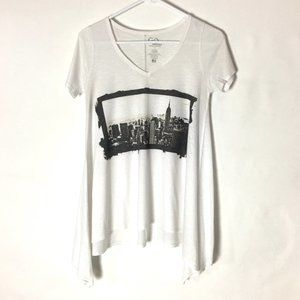 GO Couture Shirt NY City Graphic Tee White/Gray S